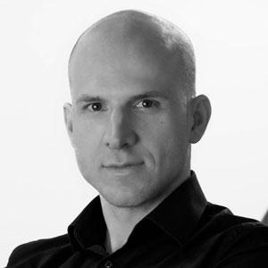 Headshot of Jacek Ptak